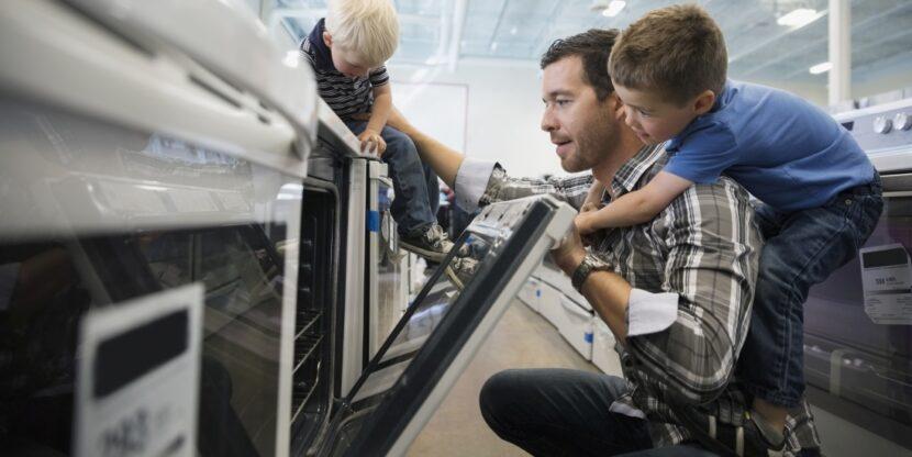 Eesti kaubandus, lapsed isaga elektroonikapoes